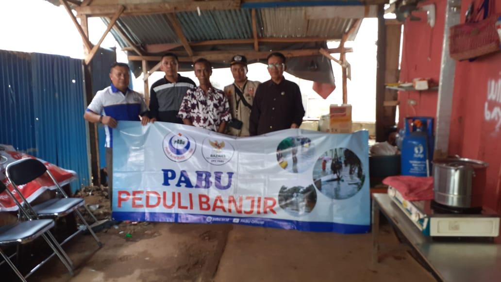 100 Korban banjir Komplek Bumi Nasio Jati Mekar Dapat Bantuan UPZ PABU