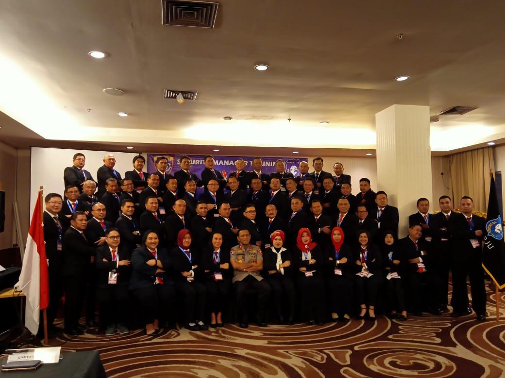 Kakorbinmas Baharkam Polri, Irjen Pol. Drs Risyafudin Nursin membuka pelatihan Gada Utama PT. Perisai Jaya Utama Angkatan ke IV, .