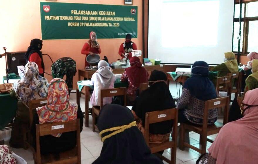 Dorong Perekonomian Masyarakat Di Tengah Pandemi Covid-19, Korem 071/WK Bantu Atasi Kesulitan Rakyat