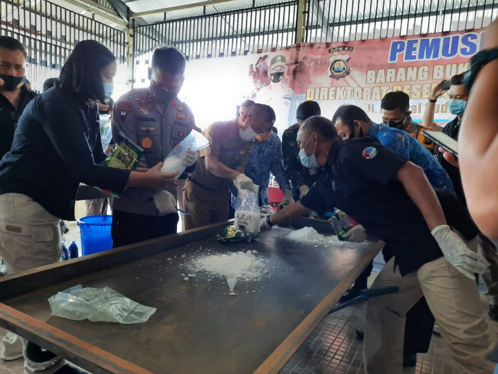 Kapolda Jambi, Pimpin Pemusnahan Barang Bukti Narkotika