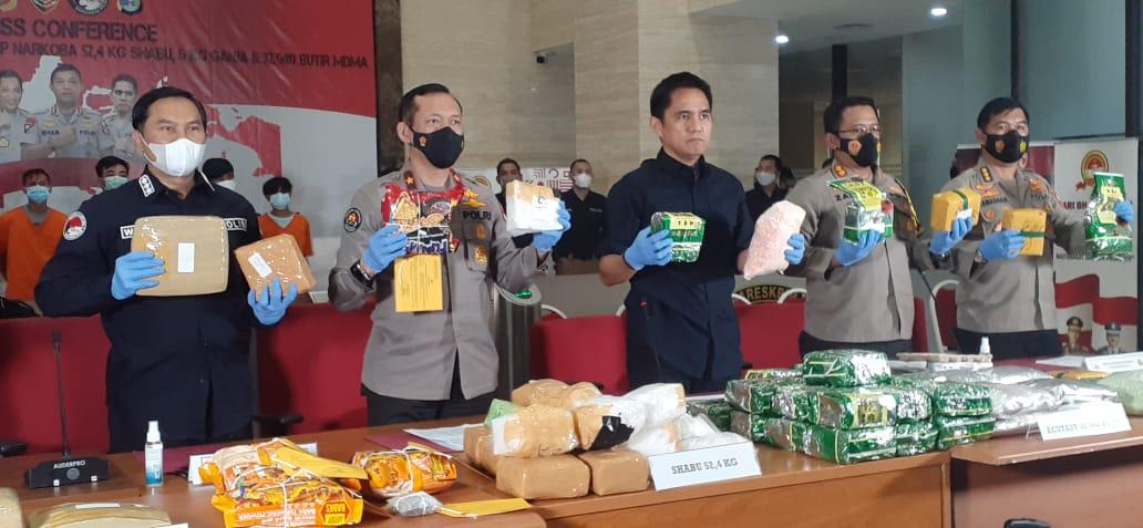 Mabes Polri Tangkap Kurir Ecstasy Sebanyak 32.940 Butir Melalui Pelabuhan Bakauheni Lampung