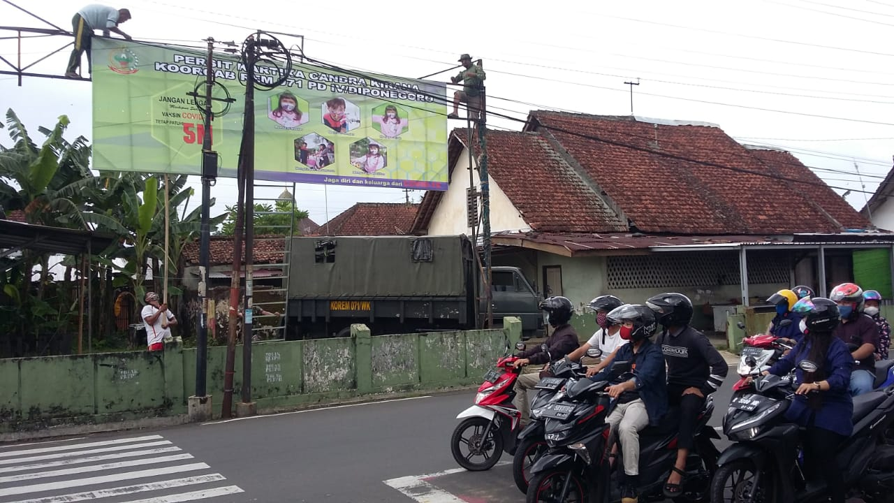 Sayangi Masyarakatnya, Persit Kartika Chandra Kirana Koorcab Rem 071 PD IV/Diponegoro Turut Sosialisasikan Prokes 5 M